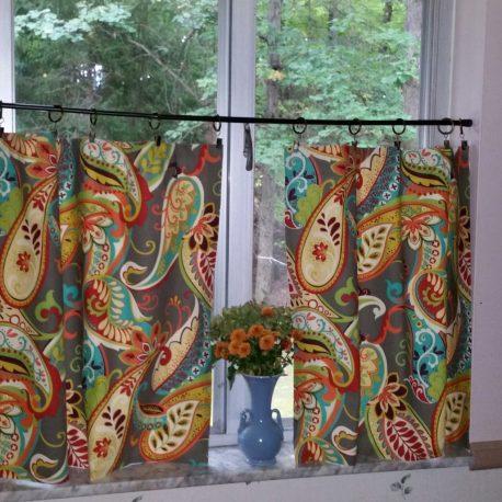 Covington paisley café curtains